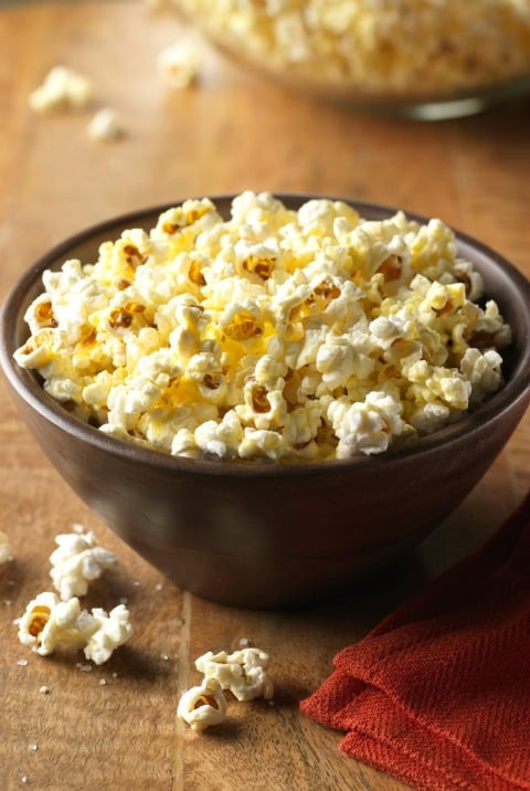 Coconut Oil Popcorn - A delicious and healthy low fat, low calorie snack