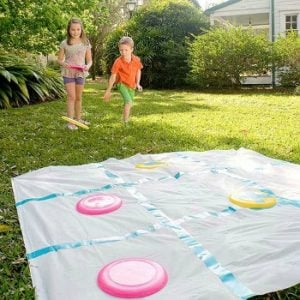 Outdoor party game disk tic tac toe