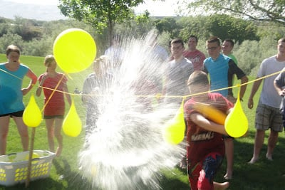 Outdoor party game water pinata