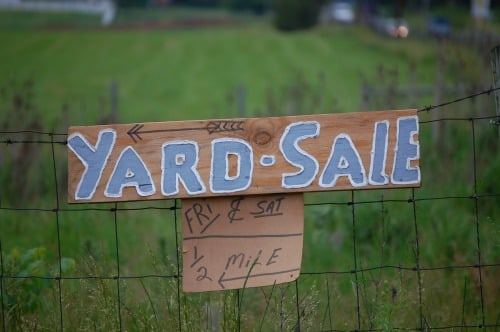 Realistic Frugal Living Tips - yard sale sign