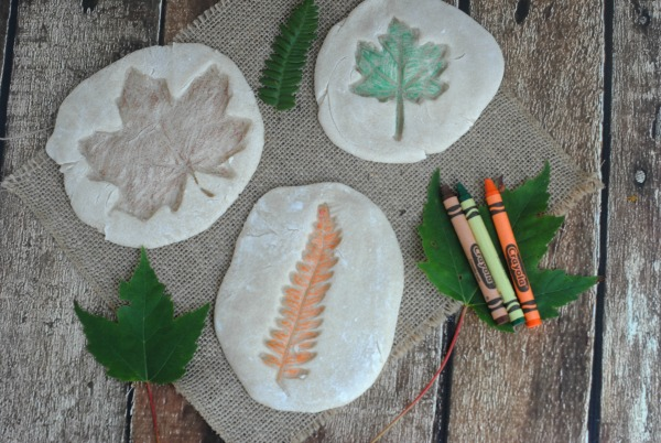 Easy fall leaf crafts for kids colored salt dough leaf for Simple fall crafts for kids