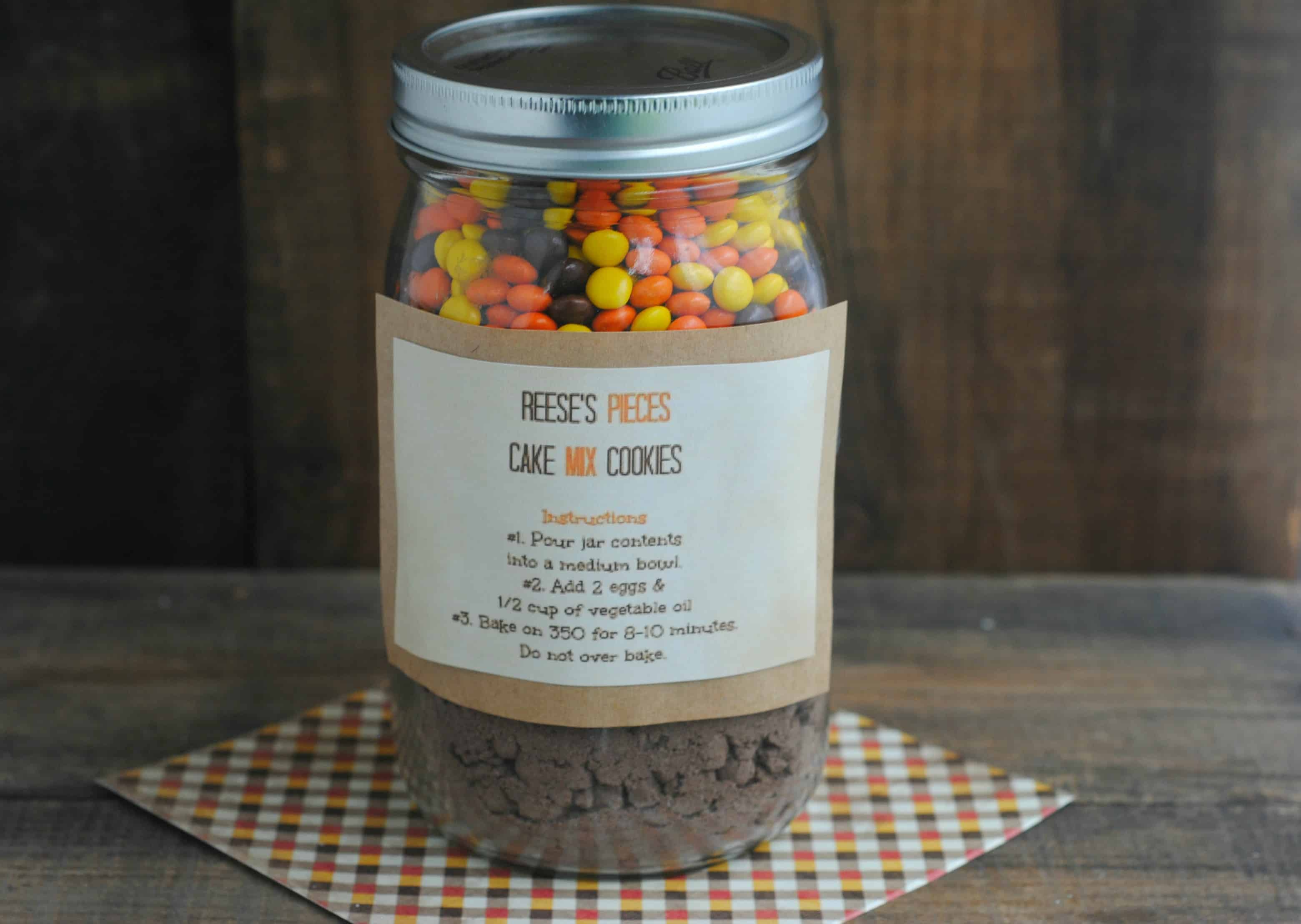 12 Days Of Diy Gifts In A Jar Reese S Pieces Cookies In A Jar