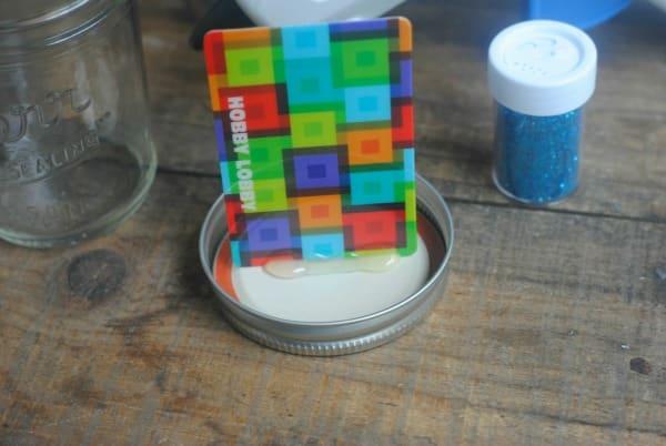 12 Days of DIY Gifts in a Jar: Snow Globe Gift Card Mason Jar Gift 2