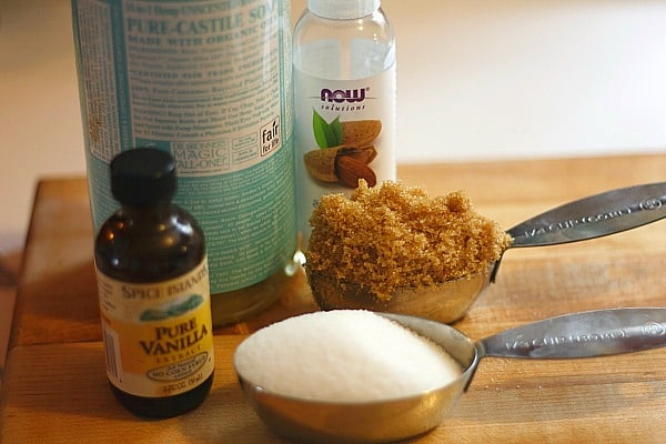 10 Homemade Recipes for Beauty Products: DIY Body Scrub 1