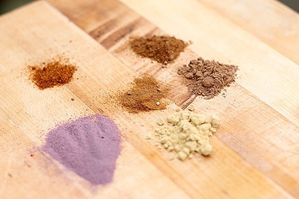 10 Homemade Recipes for Beauty Products: DIY Mineral Makeup - Homemade Blush 1