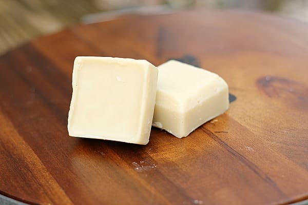 10 Homemade Recipes for Beauty Products: Homemade Coconut Oil Lotion Bars 4