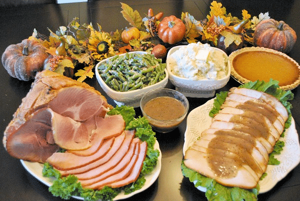 Host a Delicious (and Easy) Thanksgiving Meal Thanks to HoneyBaked Ham
