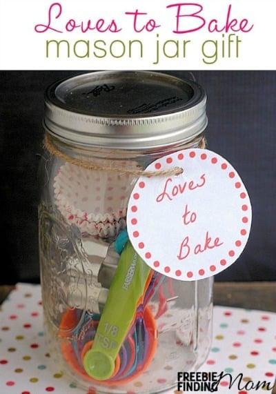 Loves to Bake Mason Jar Gift