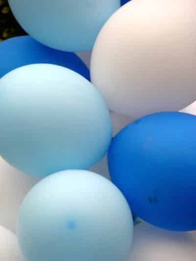 balloons to promote frugal birthday party ideas