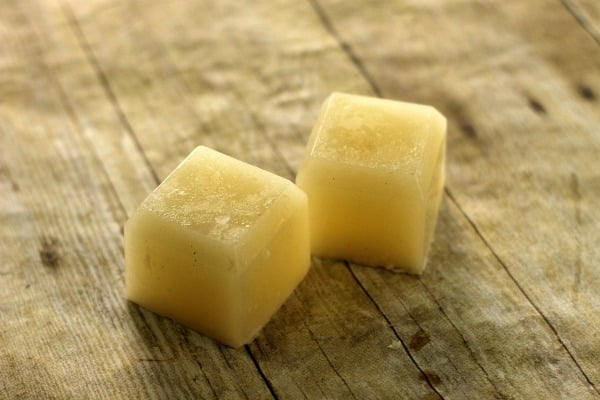 DIY Beauty Care: Homemade Coconut Oil Sugar Scrub Bars 4