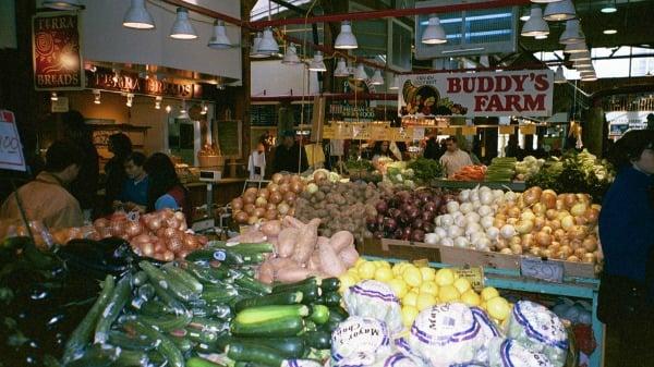 save-money-groceries-farmers-market