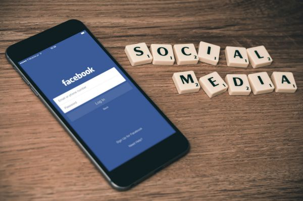 Social media app to promote how to become a virtual assistant