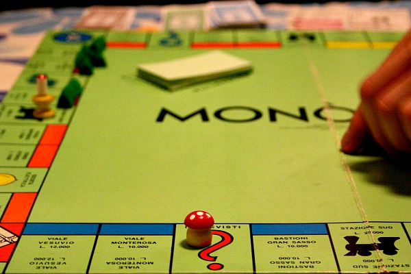 Monopoly board game to promote money making apps