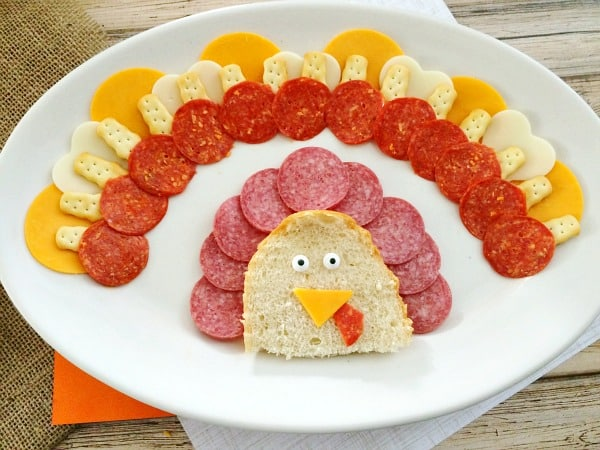 Thanksgiving Appetizers: Meat, Cheese and Cracker Turkey Platter Step 11