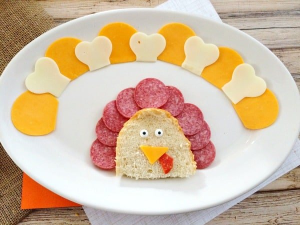 Thanksgiving Appetizers: Meat, Cheese and Cracker Turkey Platter Step 9