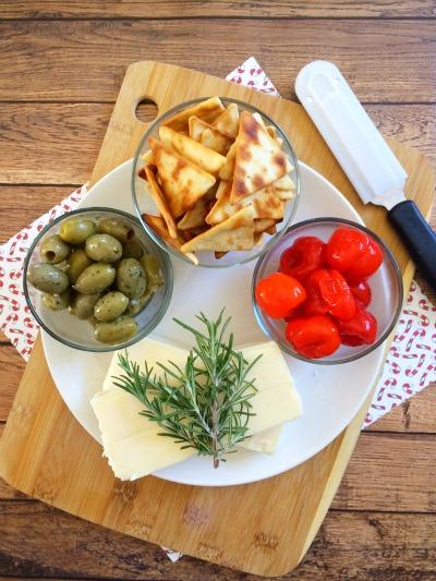 Christmas Tree Cheese Platter Ingredients