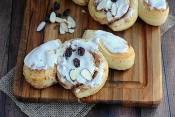 """Easy Recipes for Easter Sunday: Cinnamon Roll Bunnies """"Cinnabunnies"""" 7"""