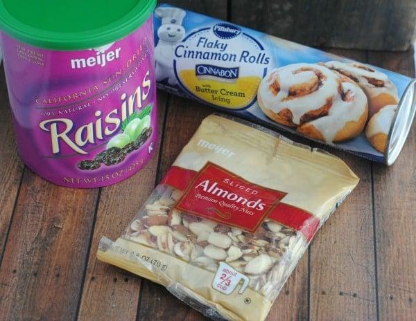 """Easy Recipes for Easter Sunday: Cinnamon Roll Bunnies """"Cinnabunnies"""" 1"""