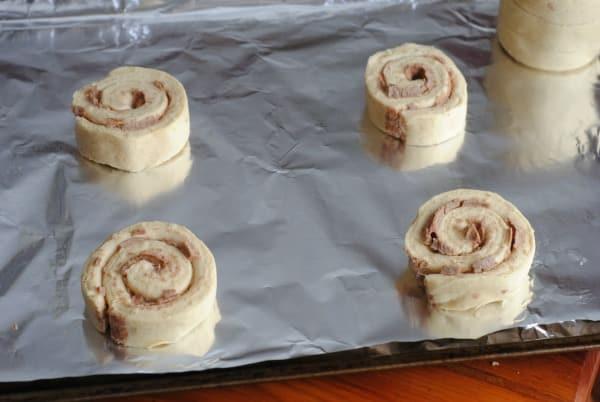 """Easy Recipes for Easter Sunday: Cinnamon Roll Bunnies """"Cinnabunnies"""" 2"""