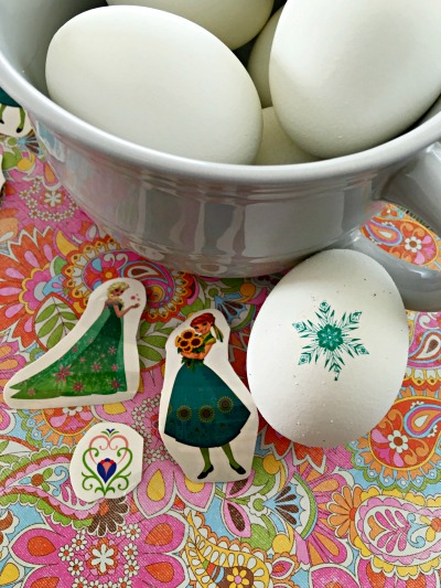 Easy egg decorating step 7