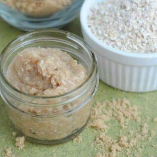 Homemade Oatmeal Body Scrub