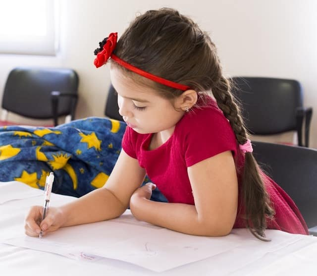 free summer activities for kids - make a friend like a pen pal