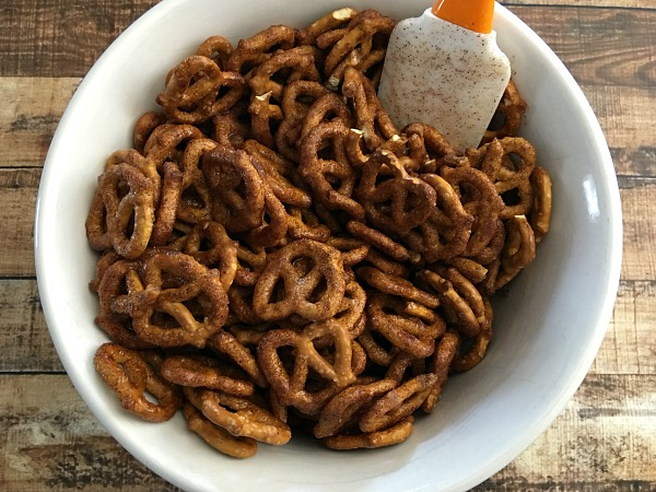 cinnamon-sugar-pretzel-recipe-step4