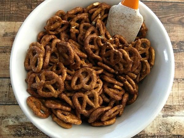 cinnamon-sugar-pretzel-recipe-step4