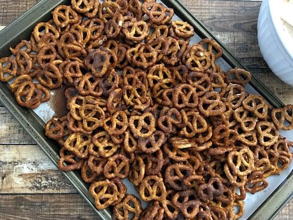 cinnamon-sugar-pretzel-recipe-step5