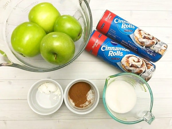 cinnamon-roll-apple-pie-ingredients