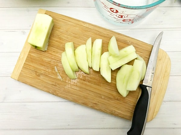cinnamon-roll-apple-pie-step1