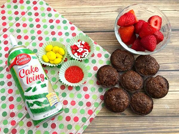 strawberry-christmas-tree-brownie-bites-recipe-ingredients