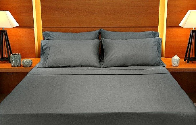 Bedding Collection queen sheet set on bed