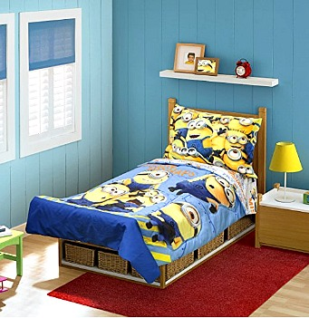 4-Piece Minions MISHAP Toddler Bedding Set