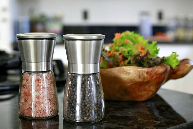 Salt Grinder and Pepper Mill Set in use