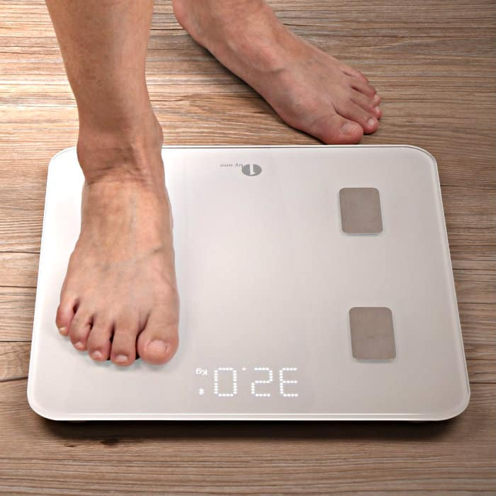 1byone Bluetooth Body Fat Scale in use