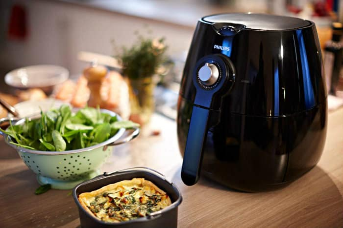 Philips Airfryer in use
