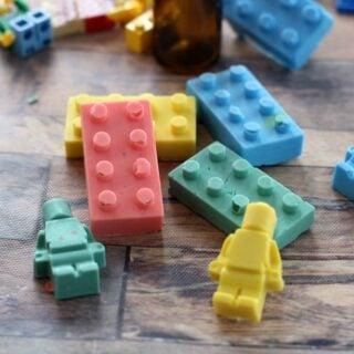 DIY LEGO Bathtub Crayons