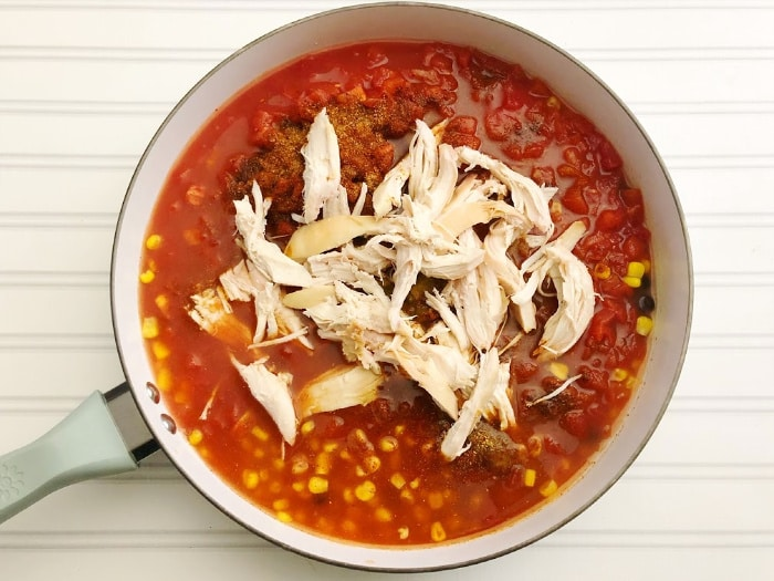 add chicken to fast and easy chili recipe