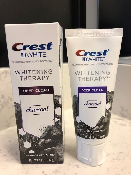 Crest 3D White with Charcoal