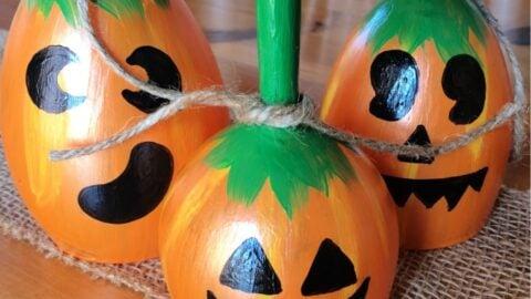 finish off DIY pumpkin wine glases with hemp rope
