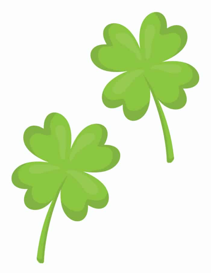Use this medium sized printable for leaf clover pattern to decorate smaller areas.