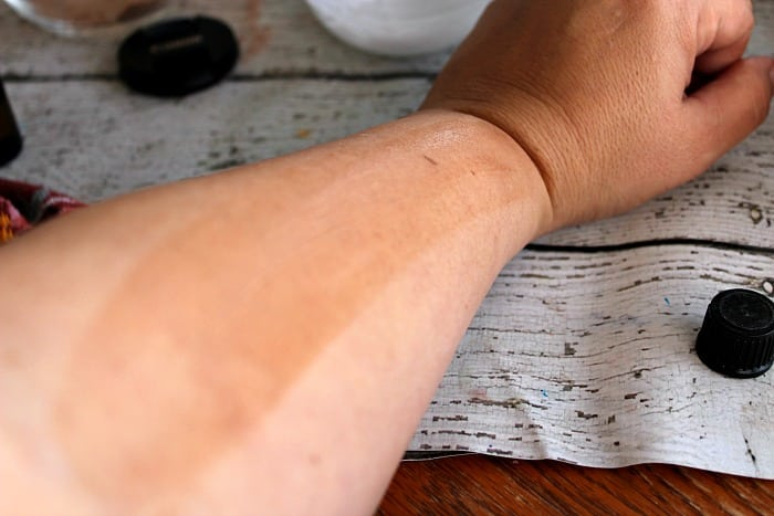 Apply the DIY self tanner in a light layer on your skin.