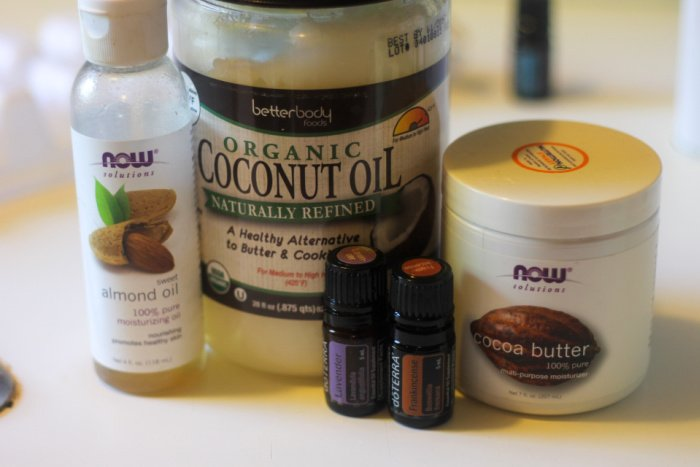 You only need 5 ingredients, including lavender essential oil, for this homemade face moisturizer recipe.